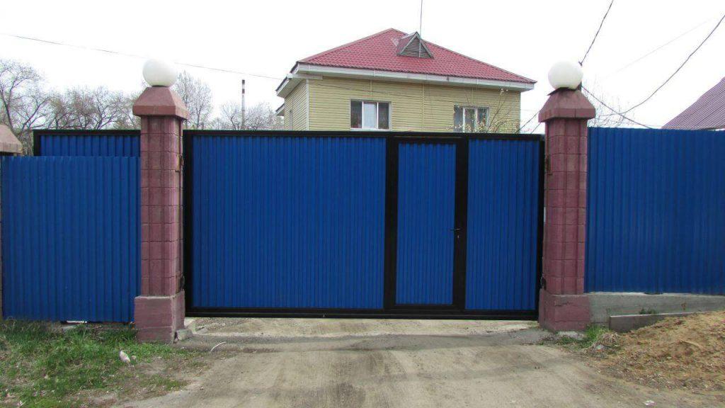 Откатные ворота и забор