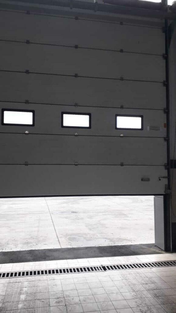 Ворота на складе Сервико