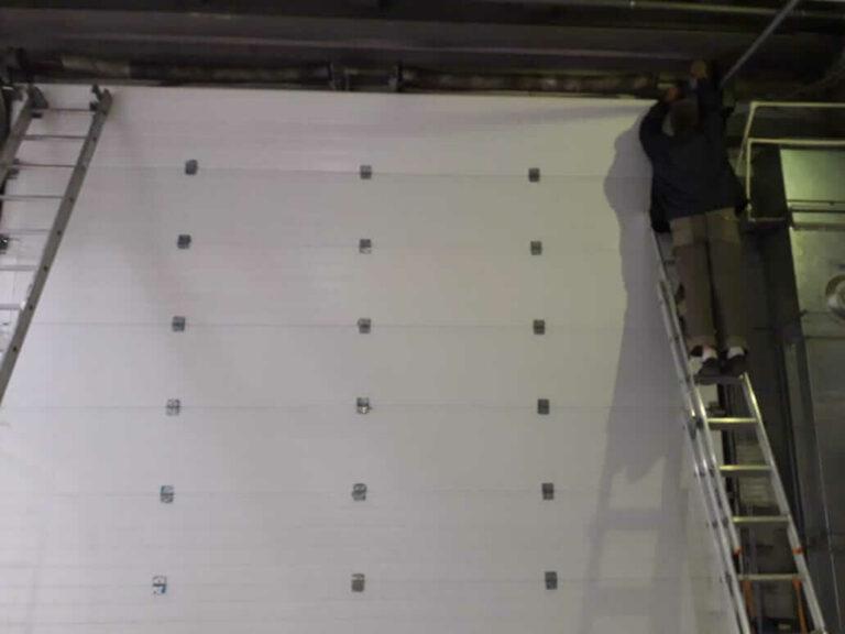 Не гарантийный ремонт ворот в магазине Роща