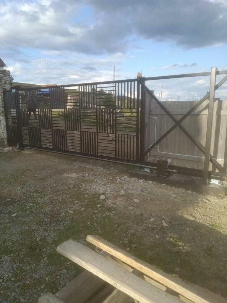 Откатные ворота в Голоустном