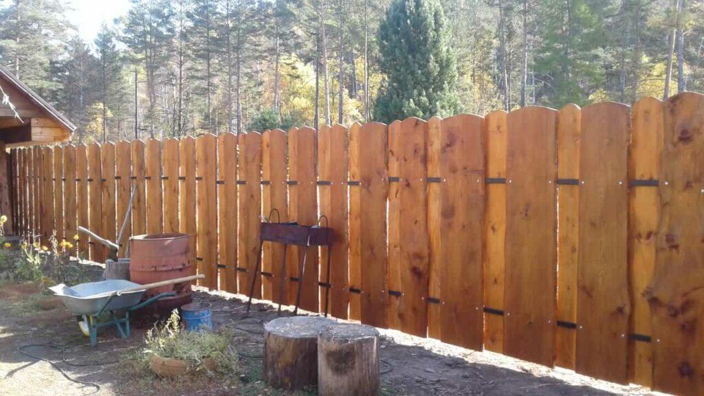 Забор в п. Большая речка