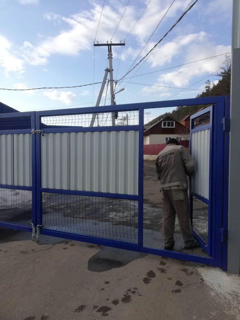 Ремонт распашных ворот в Листвянке
